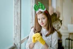 Милая девушка с одеждами зимы Стоковое Изображение