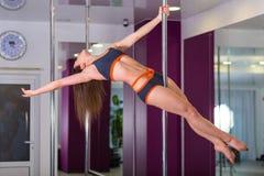 Милая женщина в студии танца поляка Стоковые Изображения