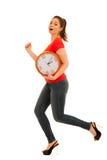 Милая женщина держа часы как simbol контроля времени Стоковые Фотографии RF