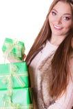 Милая женщина моды с подарками коробок День рождения Стоковые Фотографии RF