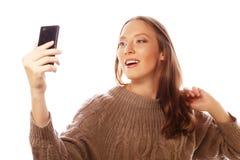 Милая женщина принимая selfies Стоковые Изображения