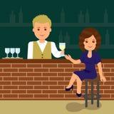 Милая женщина сидя на баре Стоковые Изображения