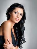 Милая женщина с волосами красоты длинними Стоковая Фотография RF