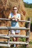 Милая картина лоскутного одеяла applique девушки страны Стоковое фото RF