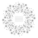 Милая круглая рамка при цветки и листья стоцвета изолированные на w Стоковые Фото