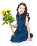 Милая маленькая девочка с букетом желтого цвета Стоковая Фотография RF