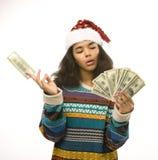Милая молодая африканская девушка в шляпе santas красной с Стоковая Фотография RF