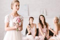 Милая невеста стоя в белой комнате Стоковая Фотография RF