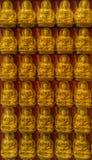 Миллион лордов Buddhas статуи стоковая фотография rf