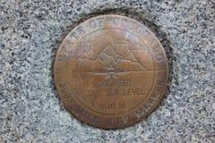 2003 мили высокая отметка 5280 футов выше уровень уплотнения стоковая фотография