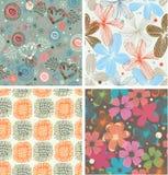 Милое собрание комплекта цветочных узоров красивых необыкновенных предпосылок с цветками Стоковое фото RF