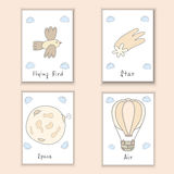 Милой нарисованные рукой открытки doodle с птицей, кометой, луной, воздушным шаром Шарж возражает предпосылку Printable установле Стоковое Фото
