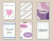 Милой открытки нарисованные рукой doodle, карточки, крышки с различными элементами и цитаты включая спасибо, влюбленность, скучаю Стоковые Фото