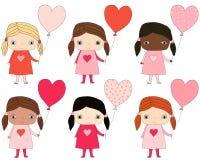 Милые девушки с воздушными шарами сердца форменными Бесплатная Иллюстрация
