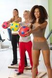 Милые женщины на спортзале Стоковые Фото