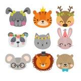 Милые животные с смешными аксессуарами Комплект характеров нарисованных рукой усмехаясь Кот, лев, панда, зайчик, собака, тигр, ол Стоковое Изображение