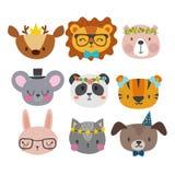 Милые животные с смешными аксессуарами Кот, лев, панда, собака, тигр, олени, зайчик, мышь и медведь Зоопарк шаржа Комплект smi на иллюстрация штока