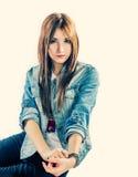 милые джинсыы девушки стоковая фотография rf