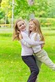 Милые 2 играя девушки Стоковое фото RF