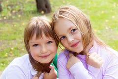 Милые 2 играя девушки Стоковое Изображение RF