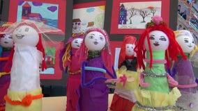 Милые игрушки девушки сделанные детьми акции видеоматериалы