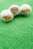 Милые маленькие украшения овечки пасхи Стоковые Изображения