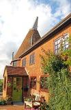 Милые дом и сады oast Кента Стоковые Фотографии RF