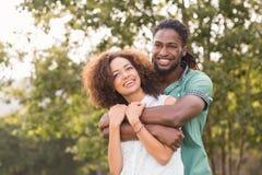 Милые пары в парке Стоковое Изображение RF