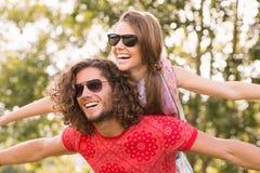 Милые пары в парке Стоковое фото RF