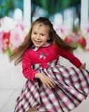 Милые танцы маленькой девочки стоковая фотография rf