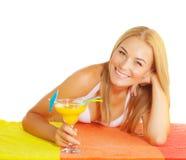 Милый коктеил питья женщины Стоковое Фото