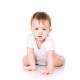 Милый маленький вползать младенца Стоковое Фото