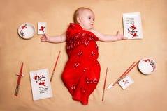Милый маленький ребенок играет Стоковые Изображения RF