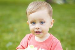 Милый малый мальчик на каникулах Стоковое Изображение RF