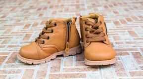 Милый младенец boots ботинки Стоковые Изображения
