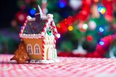 Милый дом имбиря печенья и конфеты пряника Стоковое фото RF
