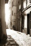 Милый переулок в Bonifacio стоковые фото
