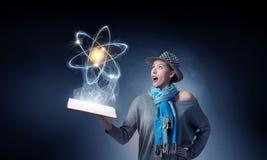 Милый студент изучая науку Мультимедиа Стоковое Фото