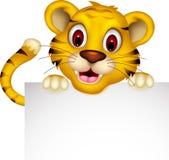 Милый тигр младенца представляя с знаком бесплатная иллюстрация