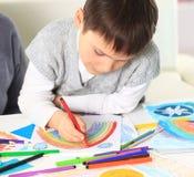 Милый чертеж мальчика стоковые фотографии rf