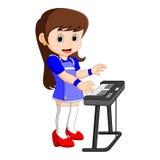 Милый шарж маленькой девочки играя рояль бесплатная иллюстрация
