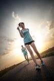2 милых девушки jogging Стоковая Фотография
