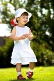 Младенец в саде Стоковые Фото