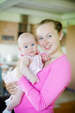 младенец ее детеныши мати Стоковое фото RF