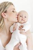 младенец ее мать Стоковые Фото