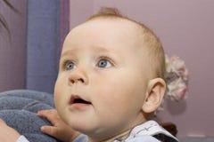 младенец любознательний Стоковое Изображение RF