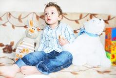 Младенец с игрушками Стоковые Изображения RF