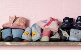 младенец shelves ботинки Стоковые Фото