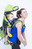 Младенец в рюкзаке Стоковое Фото