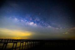 Млечный путь на мосте стоковые изображения rf